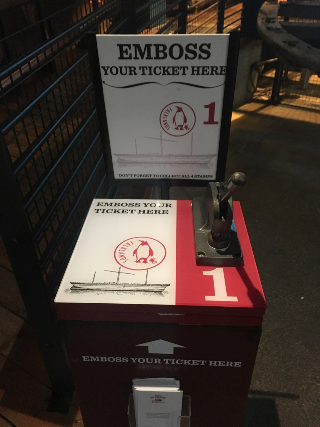 Machine that embosses tickets as a souvenir in museum
