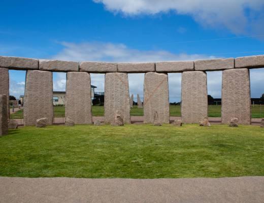 aligned stones at esperance stonehenge