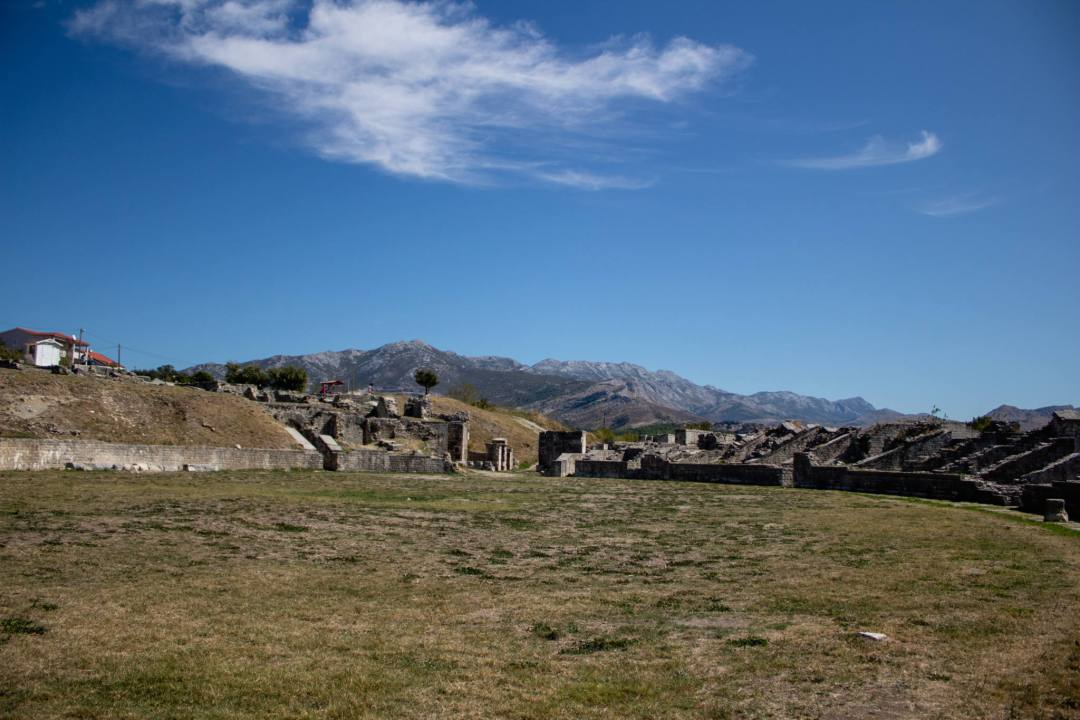 arena of salona amphitheatre ruins