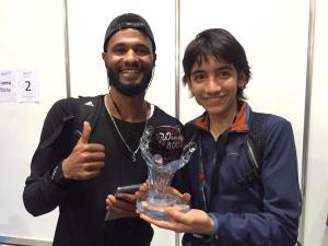 Lukas mit Mostafa Smaili (Gewinner über 800m)