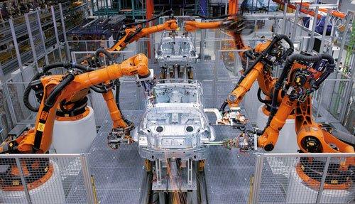 Сварка роботами Kuka на автомобильном заводе
