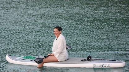 Stand up paddleboarding, Leslie style