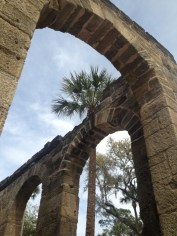 arches and palm trees