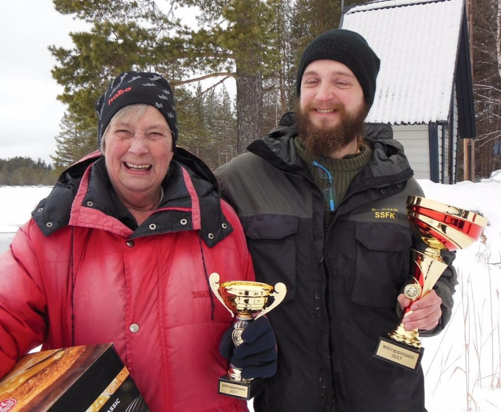 Glada vinnare Birgitta Sjögren och Mikael Westlund. Foto: Thomas Sundemyr
