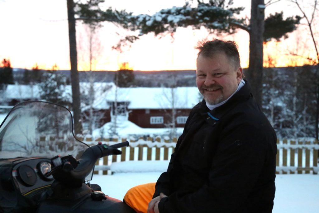 Musikern och producenten Mats Nilsson laddar gärna batterierna hemma i Svegsbygden. Foto: Thomas Pedersen