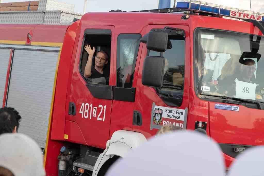 Brandstyrkorna från Polen har anlänt till Sveg