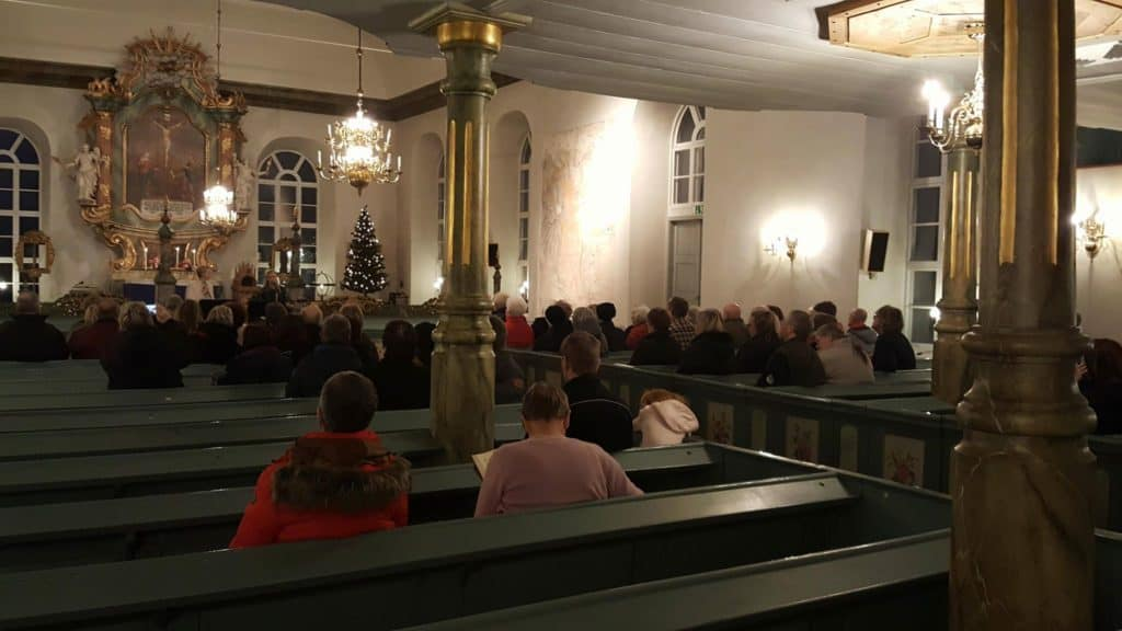 Ett 60-tal tog del av stämningsfull julkonsert i Lillhärdals kyrka. Foto: B-G Eliasson