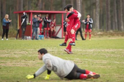 Hassan Ahmadi slår in 2-1 för hemmalaget i matchens 82:e minut. Foto: Morgan Grip