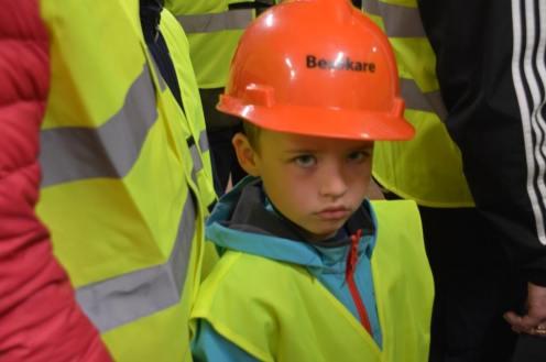 5-årige Ivan Matyyuk tyckte det var ett intressant öppet hus vid Svegs kraftverk. Foto: Leif Eriksson