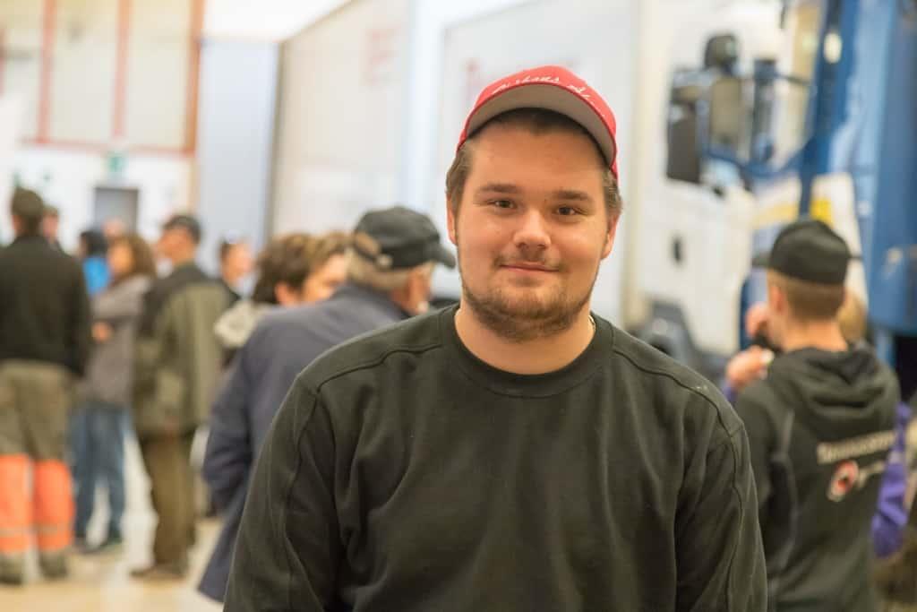 En av eleverna som just nu är inne på andra året är Tobias Nilsson från Sveg. För honom hade det länge varit en självklarhet att gå transportprogrammet i Östersund, men när det nu finns här på hemmaplan blev ju valet enkelt. Foto: Morgan Grip