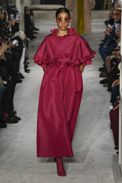 Paris Fashion Week: Valentino SS19 Doles Out Thrilling Haute Couture