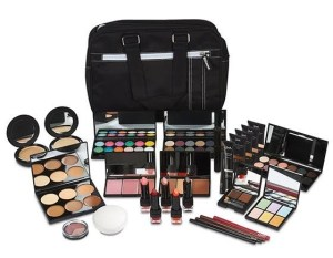 5 Must-Haves For Your Make-Up Kit