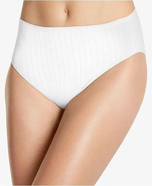 woman wearing white french-cut panty
