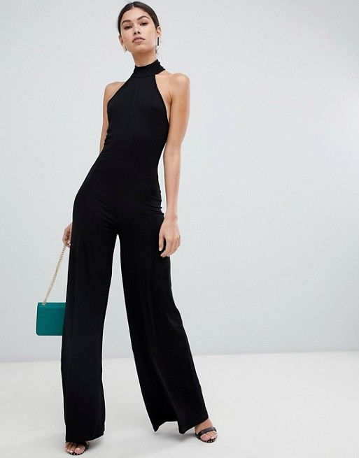 halter neck - Outfits for Small-Breasted Ladies