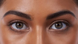 How to Whiten Your Eyes Without Photo Retouching