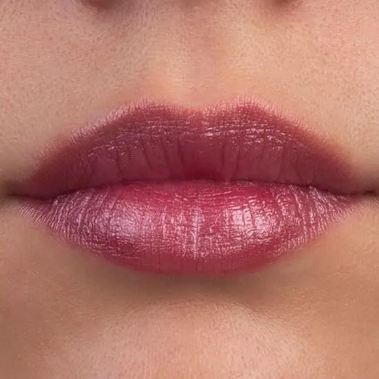 stain lipsticks on the lips
