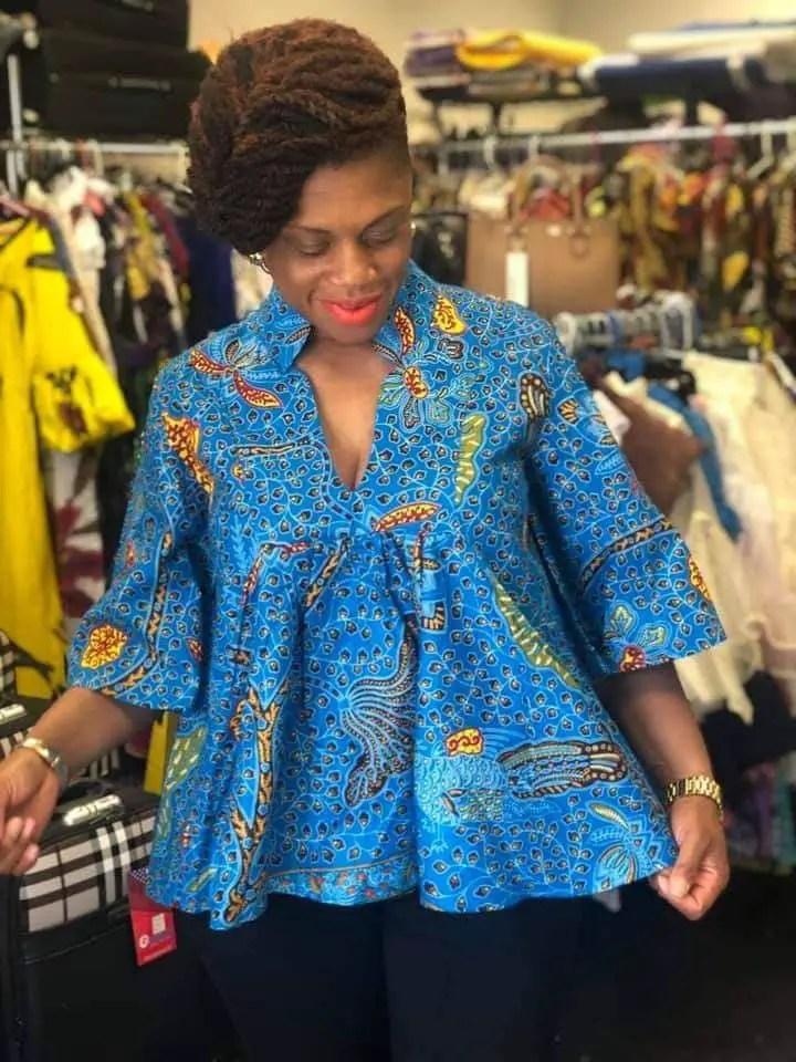 lady wearing blue ankara free flowing top