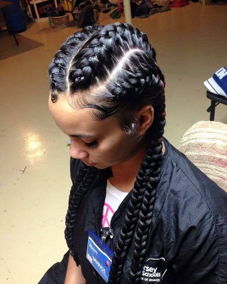 lady wearing didi hairstyle