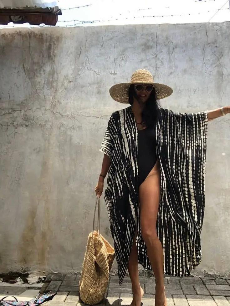 lady rocking kimono and hat