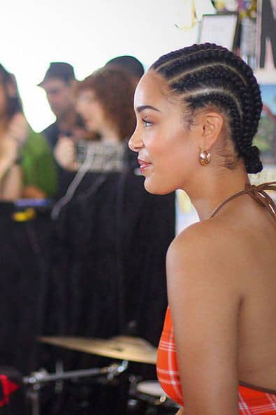 lady wearing natural cornrows