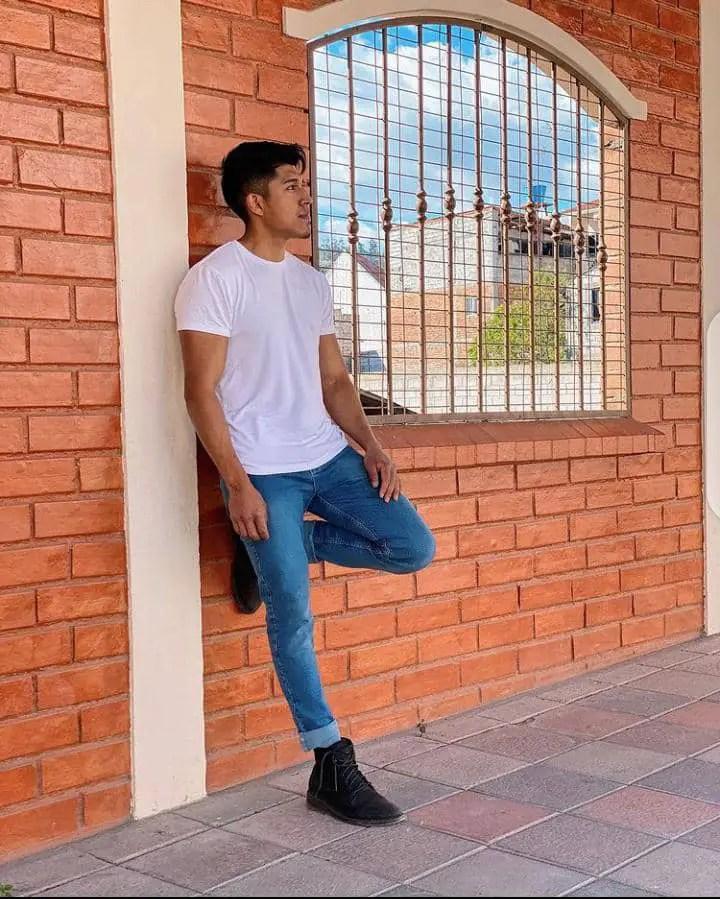 man rocking jeans