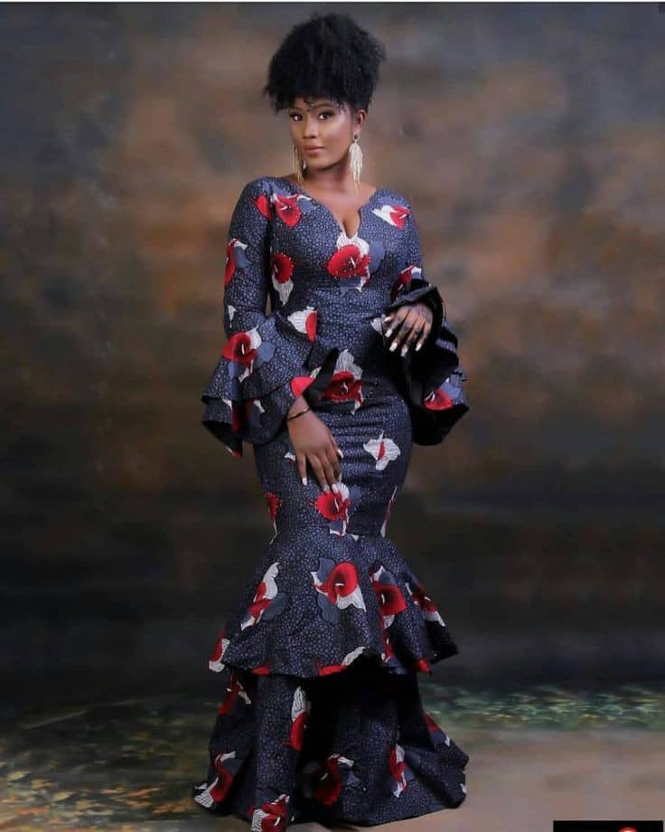 lady wearing long ankara gown for owambe