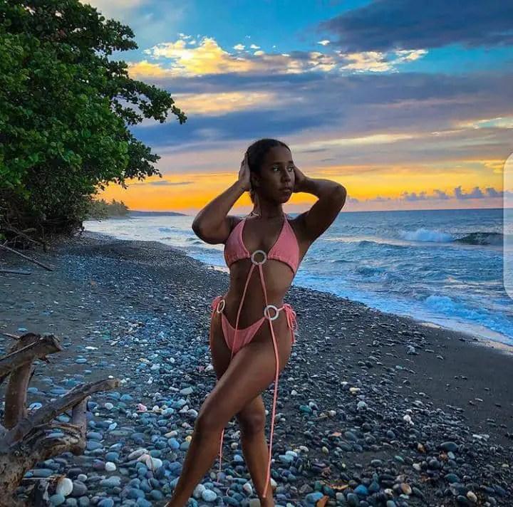 lady wearing a bikini at the beach