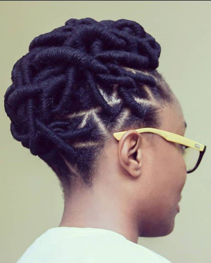 lady wearing wool thread hairstyle with glasses