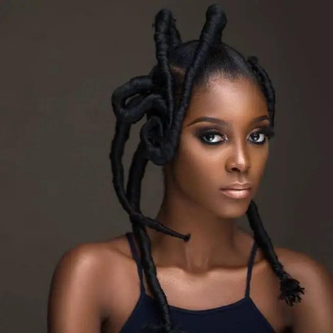 lady in African threaded hair