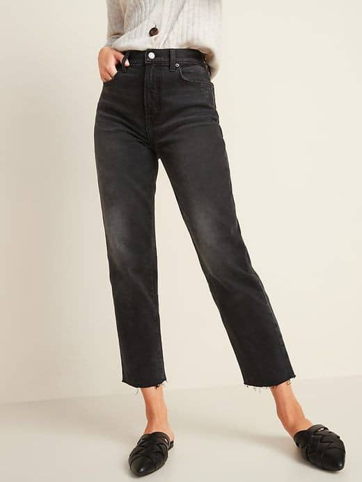 lady wearing black straight cut jeans
