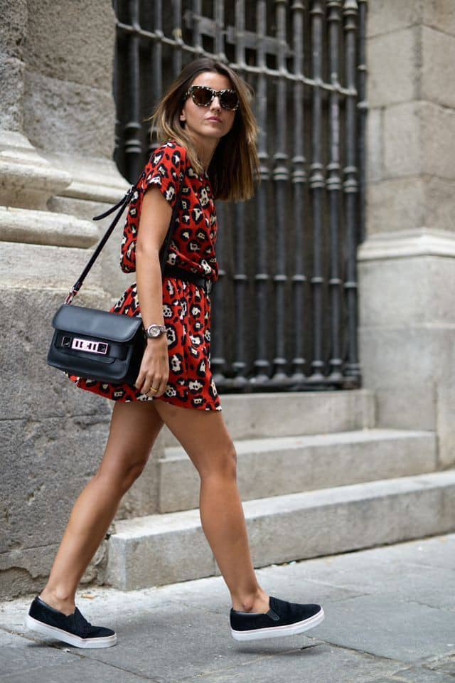 lady wearing short dress with canvas
