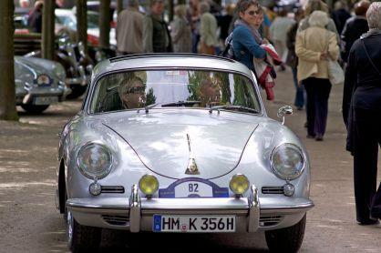 Silberner Porsche 356 aus Hameln