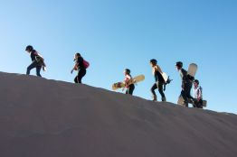 2019-chile-sand-boarding-003