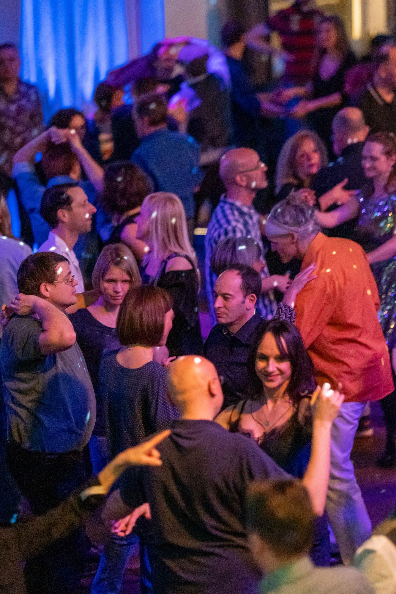 Publikum auf der Salsa Night in den Haas-Sälen Bamberg am 7. März 2020