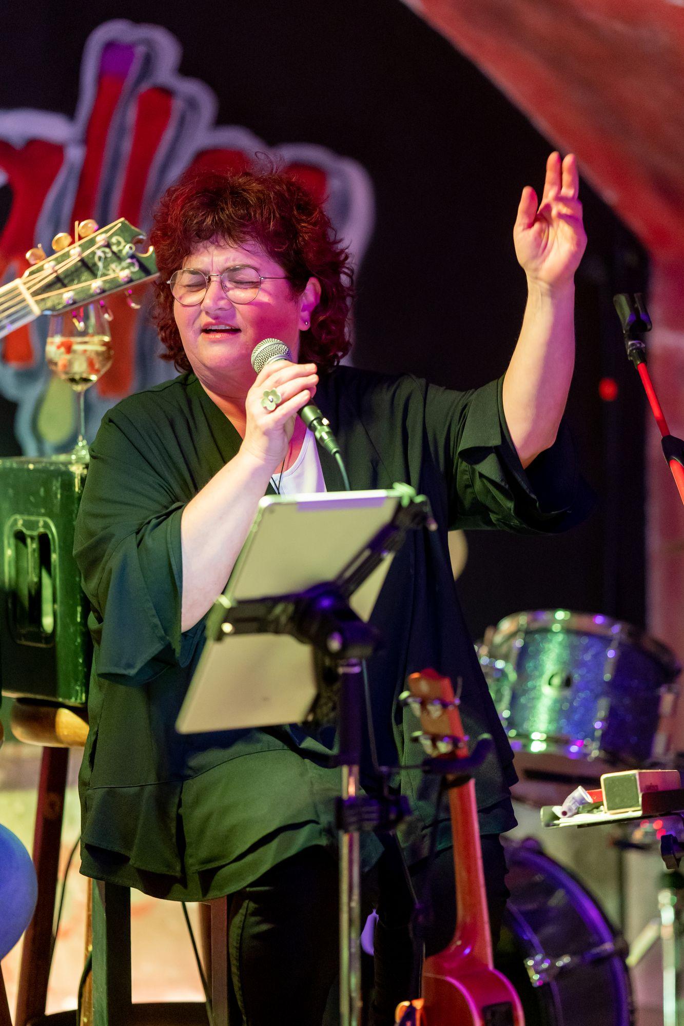 Sonja Tonn von Wulli & Sonja live im Soulhalm in Erlangen am 12. März 2020