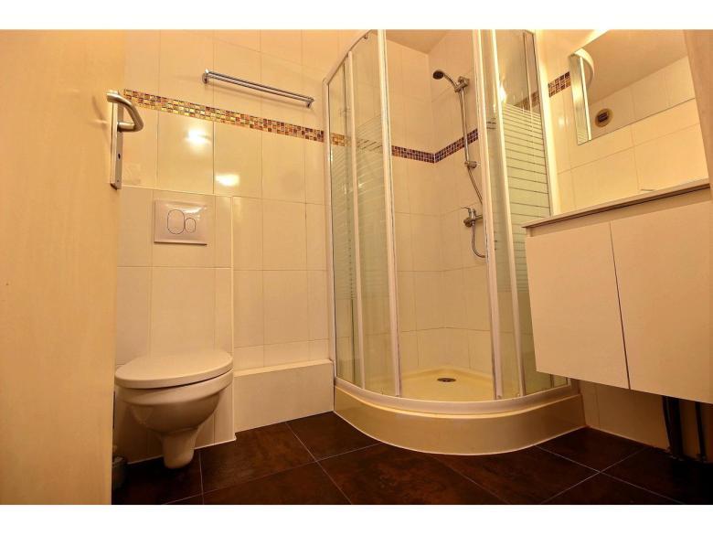 Enrummare på 23 m² till salu i området le Suquet i Cannes badrum
