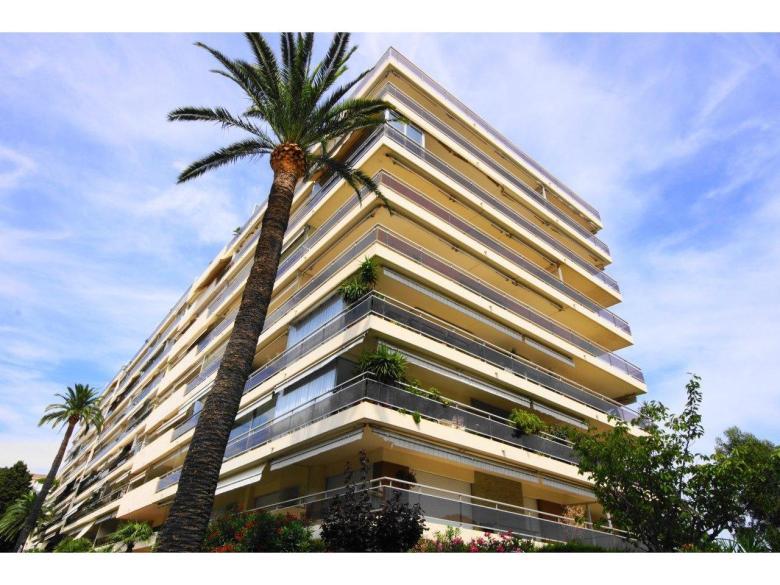 Lägenhet till salu i Cannes Basse Californie Parc Imperal franska rivieran svensk mäklare