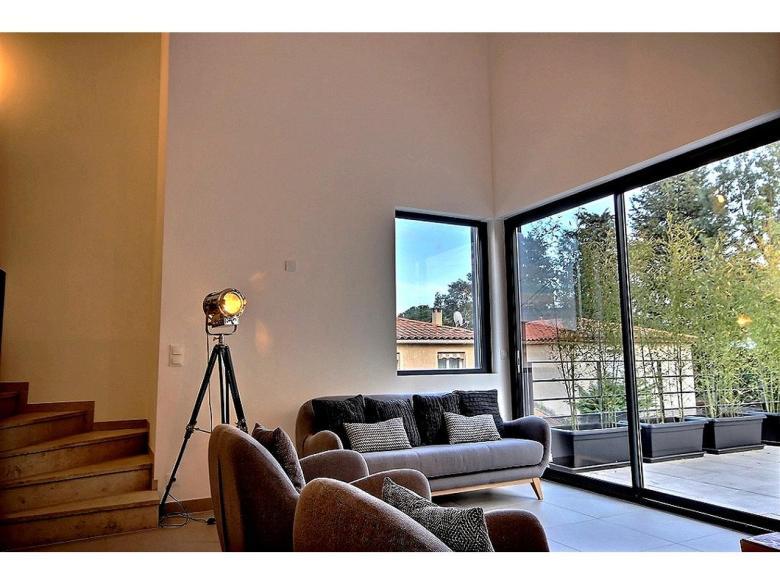Villa till salu i Le Cannet av svensk mäklare på franska rivieran