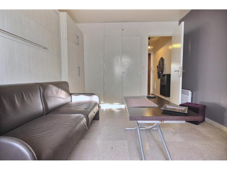 Köpa en lägenhet i Cannes Palm Beach av en svensk mäklare
