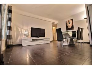 Köpa en lägenhet i Cannes av en svensk mäklare