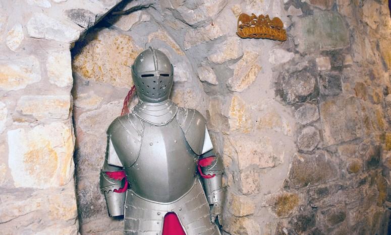 Camelot Castle Suit of Armour