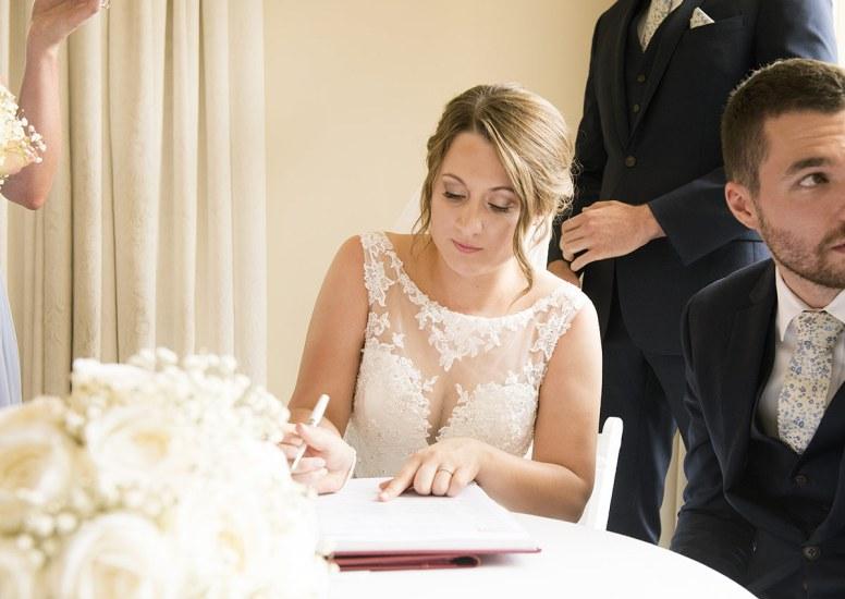Signing registry