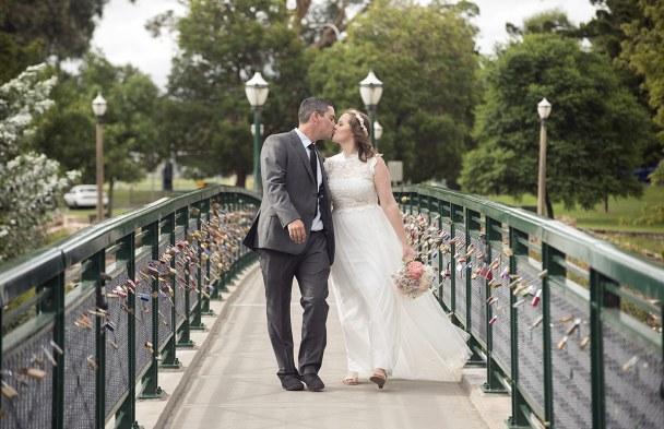 Kiss on the Torrens footbridge