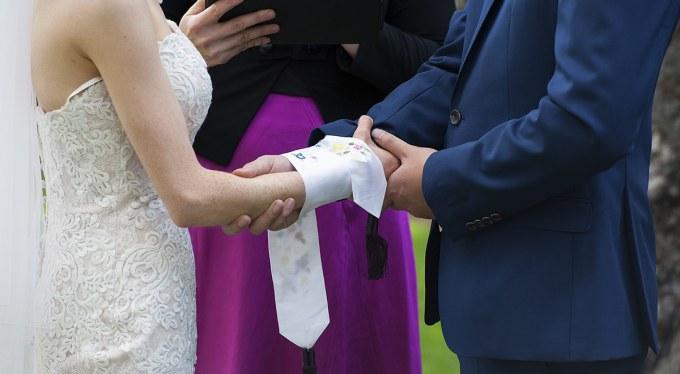 Hand binding ceremony