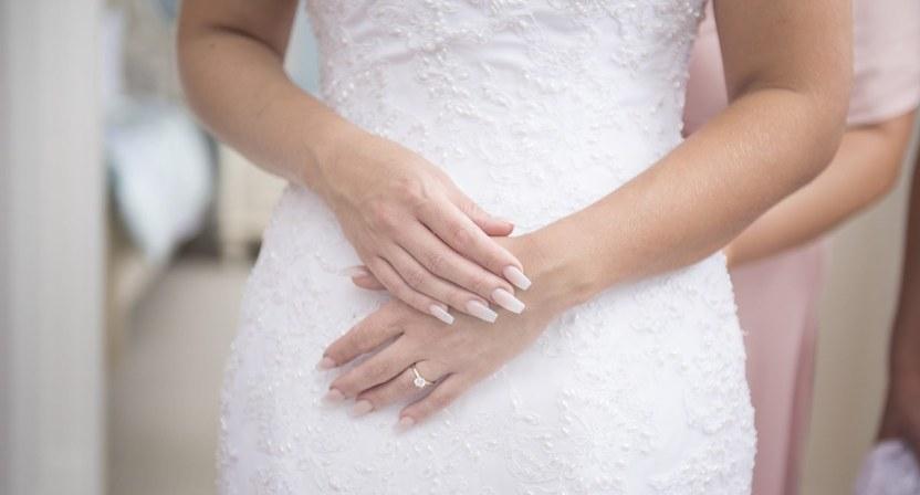 If you need wedding photos taken in the Adelaide area, call SvenStudios