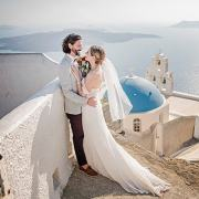 Why you should bring your photographer with you to your destination wedding