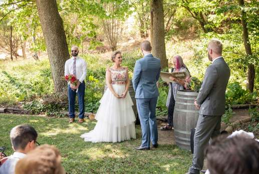 Wedding ceremony at Inglewood Inn