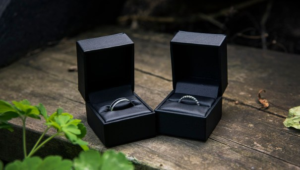 Wedding rings in boxes