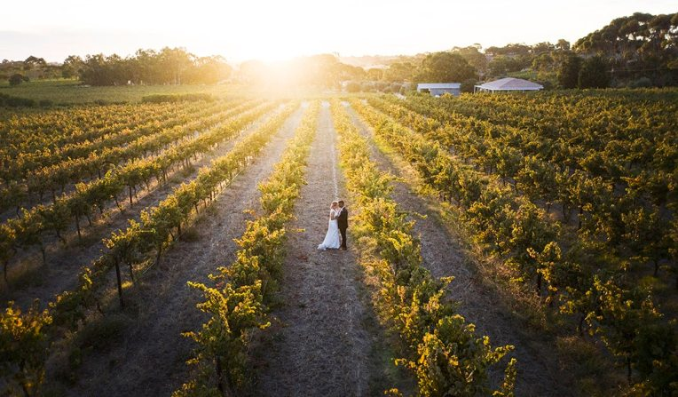 Ekhidna wines wedding at sunset