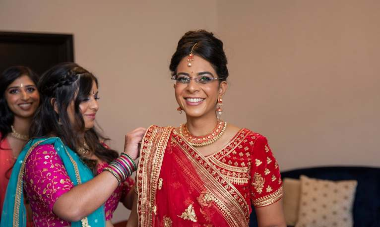 Smiling bride in Hindu dress 2